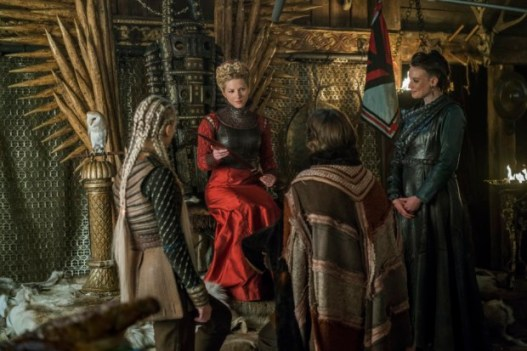 historys-vikings-season-4-part-2-episode-17-the-great-army-lagertha-on-the-throne-with-a-knife-resize