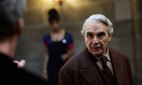 new_pictures_of_david_suchet_in_doctor_who_episode_knock_knock_revealed