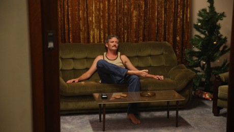 hounds-of-love-steve-on-couch-460x260