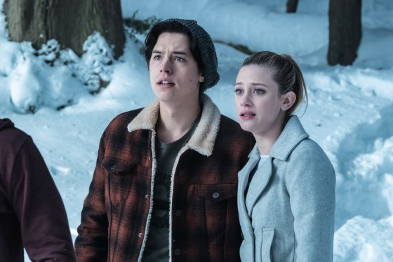 riverdale-season-finale-betty-jughead-1494606475