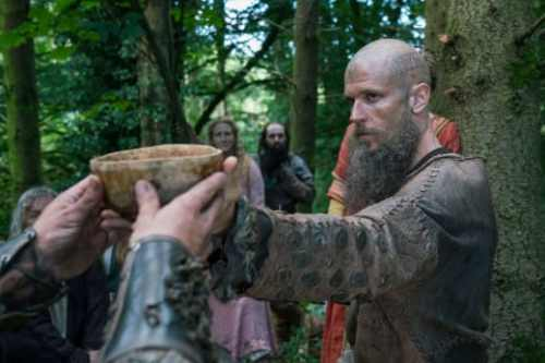 floki-finds-people-vikings-season-5-episode-5