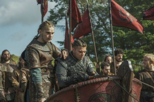 history-channels-vikings-season-5-episode-8-the-joke-hvitserk-and-ivar-the-boneless-670x447